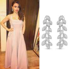 Soha Ali Khan looked elegant in Yoube Jewellery at Xmas Dinner Party hosted by Saifeena.